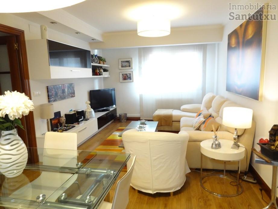 Piso reformado de 3 habitaciones en la calle Santutxu