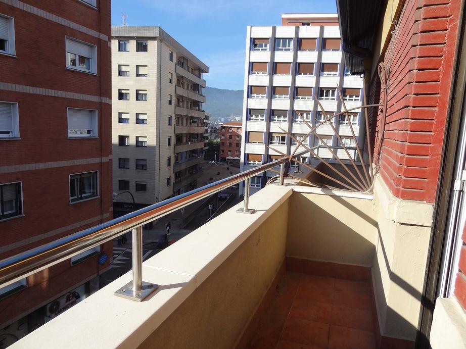 Inmejorable ubicación en el centro de Santutxu!!